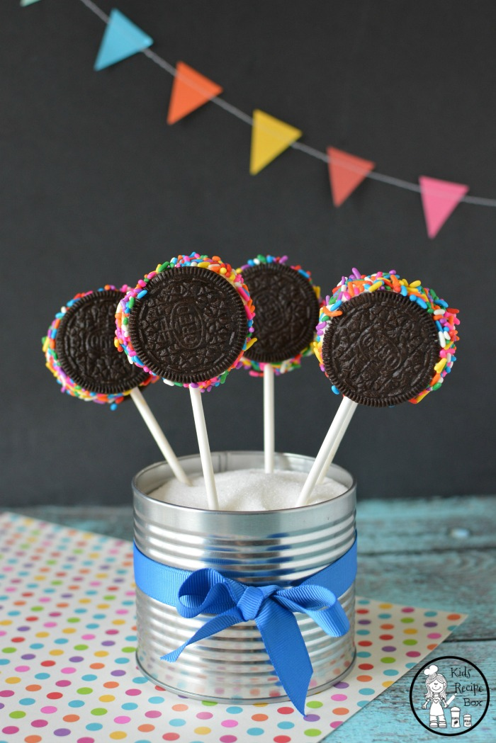 Oreo Ice Cream Pops with Sprinkles